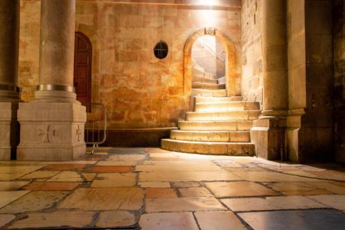 Bazylika Bożego Grobu - wejście na Golgotę